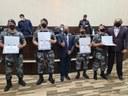 Passos realiza entrega de moção de aplauso à policiais do Batalhão de Choque