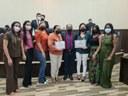 Vereador Passos entrega moção de aplauso para servidoras do  Centro de Atenção Psicossocial de Luziânia
