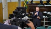 Pe. Hildo entrega projeto do concurso para o MP