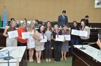 Professores recebem medalhas
