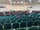 Parlamentares apresentam demandas e recebem secretária de educação